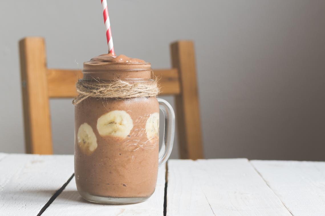 Neodolateľné čokoládovo jahodové smoothie