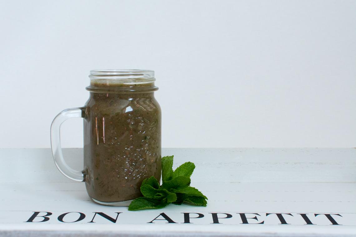 Malinovo – banánovo - špenátové smoothie s konopným proteínom